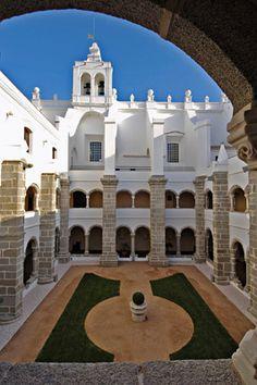 Convento do Espinheiro, Évora, Alentejo  Via Visão Viagens