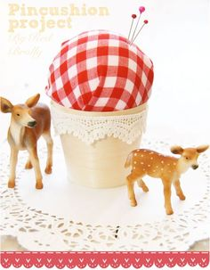 Adorable-pincushion-project-by-Red-Brolly