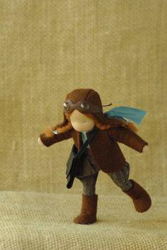 Pilot girl waldorf pop / / origineel cadeau voor meisje / / natuurlijke speelgoed
