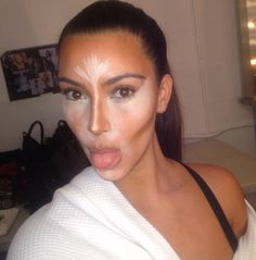 Kim-Kardashian-Makeup-Try-This-At-Home-Instagram.jpg (2380×2412) good contouring guide