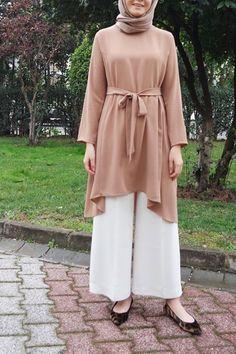 Türkiye-deki en iyi tesettür giyim butiklerinden seçtiğimiz özel parçalar- Islamic Fashion, Modern Hijab Fashion, Muslim Fashion, Modest Fashion, Fashion Outfits, Casual Hijab Outfit, Hijab Dress, Stylish Dress Designs, Stylish Dresses