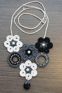 Pretty things I like! Love Crochet, Diy Crochet, Crochet Crafts, Crochet Flowers, Crochet Motif, Crochet Jewelry Patterns, Crochet Accessories, Crochet Designs, Diy Schmuck