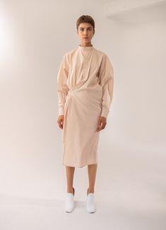 Woman-All – Lemaire Fashion Details, Fashion Design, Business Dresses, Elegant Outfit, Chic Dress, Minimal Fashion, Classy Outfits, Hijab Fashion, Textiles