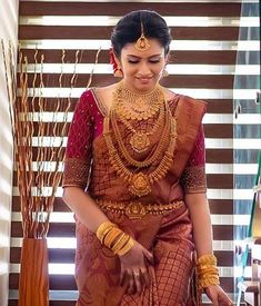 South Indian Wedding Hairstyles, South Indian Wedding Saree, Indian Bridal Sarees, Bridal Silk Saree, Indian Bridal Outfits, Indian Bridal Fashion, Bridal Hairstyles, Indian Beauty Saree, Silk Sarees