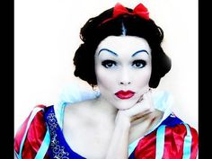 Great video, she teaches you how to do a great Snow White.