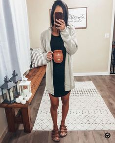 sandals outfit casual outfit ideas Source by fall outfits casual Spring Outfits Women Casual, Outfits Casual, Spring Fashion Casual, Komplette Outfits, Cardigan Outfits, Fall Fashion Outfits, Look Fashion, Summer Outfits, Casual Summer
