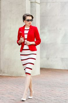 Stripe knit dress and the red blazer street chic outfit. REDRETICULE fashion and style for women over 30 Business Casual Dresses, Casual Work Outfits, Office Outfits, Trendy Outfits, Fall Outfits, Casual Office, Boho Fashion, Fashion Outfits, Womens Fashion