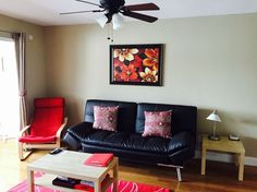 Comfortable living room with TV, DVD player, and ROKU with free Netflix