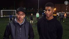 Marcus Rashford and Jesse Lingard popped in to the Manchester United Foundation Street Reds project for a Christmas surprise with Chevrolet FC.