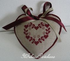quilting like crazy Cross Stitch Designs, Cross Stitch Patterns, Loom Patterns, Cross Stitching, Cross Stitch Embroidery, Fabric Hearts, Lavender Bags, Cross Stitch Finishing, Cross Stitch Heart