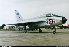 Royal Air Force (RAF) English Electric Lightning T.5 XS420 95005 Fairford Air Force Base - EGVA Electric Aircraft, Air Force Aircraft, Navy Aircraft, Military Aircraft, Postwar, Air Force Bases, Aeroplanes, Nose Art, Royal Air Force