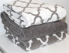 Pretty bath towels ~ Love the trellis pattern bath towels