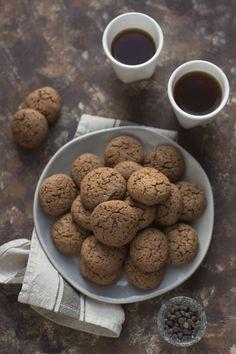 Biscotti al cioccolato fondente e zucchero di cocco - dark chocolate chip and coconut sugar cookies