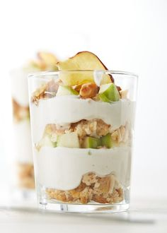 A healthier version of apple pie from @fiberone. Healthy enough for #breakfast, as well as #dessert. Apple Pie Mini Trifle | Dessertify  #YesToDessert