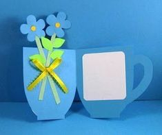 Tea cup card for mom. Add a pocket to hold a real tea bag. Diy And Crafts, Crafts For Kids, Paper Crafts, Shaped Cards, Fathers Day Crafts, Mom Day, Grandparents Day, 8th Of March, Mothers Day Cards