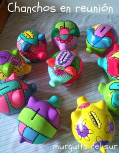 Murguita del Sur: Chanchos con Arte Paper Mache Diy, Paper Mache Projects, Paper Mache Sculpture, Crafts To Make And Sell, Diy And Crafts, Crafts For Kids, Pottery Painting, Ceramic Painting, Rock Painting