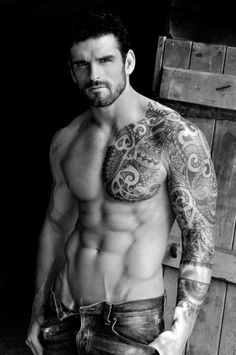 Shirtless male model Stuart Reardon with tribal tattoos Tattoo Cowboy, Hot Tattoos, Tribal Tattoos, Tatoos, Nice Tattoos, Man In Black, Stuart Reardon, Hot Rugby Players, Tattoo Trend
