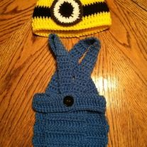 Add+style+to+your+photo+shoot+with+this+cute  Minion+diaper+cover+set+fits+newborn+to+3+months+