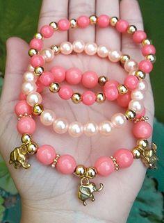 making beaded bracelets Embroidery Bracelets, Beaded Wrap Bracelets, Cute Bracelets, Crystal Bracelets, Handmade Bracelets, Beaded Jewelry, Jewelry Bracelets, Handmade Jewelry, Rustic Jewelry