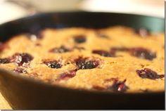 {choosing raw's peach and blackberry skillet cake} skillet + cake