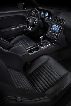 2013 Dodge Challenger... Preciso y elegante.