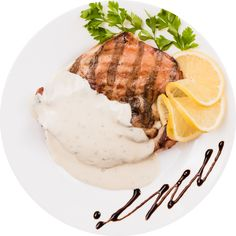 There are many people that love to eat turkey dishes, carefully prepared to offer great experiences. When you get the chance to eat a turkey with gorgonzola, it is important to do so in a great restaurant. Maine, Turkey Dishes, Cooking Turkey, Great Restaurants, Catering, Steak, Gluten, Yummy Food, Romania