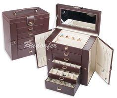 http://www.cutiibijuterii.eu/casete-pt-bijuterii/casete-bijuterii/caseta-pt-bijuterii-model-7240-pe-maro/7240.17