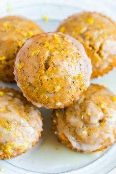 These gluten-free lemon poppyseed muffins are made with almond and coconut flour and have a bright, lemony flavor. You can top the muffins with the lemon glaze for a real treat or leave it off. Healthy Breakfast Recipes, Healthy Baking, Clean Eating Recipes, Easy Dinner Recipes, Healthy Desserts, Healthy Recipes, Clean Breakfast, Diet Desserts, Breakfast Muffins
