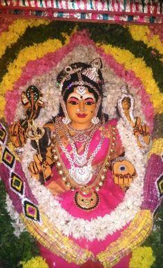 Lord Rama Images, Goddess Lakshmi, Indian Gods, Gods And Goddesses, Ganesha, Shiva, Buddha, Captain Hat, Amman