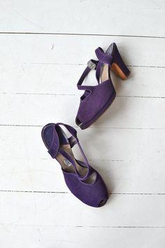 Uva Madura heels vintage 1940s shoes 40s peeptoe by DearGolden