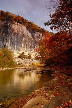 morning light, Roark's Bluff, Buffalo National River, Arkansas | Paul Martin via Flickr