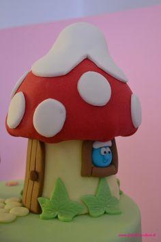 Dettagli Torta Puffi: Finestra della casetta fungo