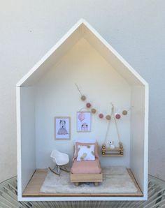 doll house Ideas diy furniture modern doll houses for 2019 Modern Dollhouse Furniture, Barbie Furniture, Modern Furniture, Furniture Dolly, Rustic Furniture, Office Furniture, Furniture Ideas, Mini Doll House, Barbie Doll House