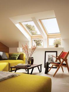 Fenêtre de toit à rotation Velux GGL Standard bois 55 x cm - Attic Living Rooms, Attic Spaces, Living Room Decor, Loft Room, Bedroom Loft, Loft Conversion Rooms, Loft Conversions, Flat Ideas, Home Design Plans