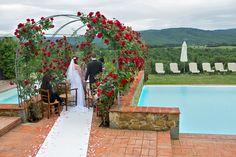 Symbolic ceremony in Casa Cornacchi, Tuscany #weddingday #weddinginflorence #symbolicceremony #bridegroom #weddingdress #weddingintuscany #weddingphotographer #tuscanphotographer #florencephotographer