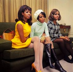 Diana Ross & The Supremes - Mary, Diana, Cindy - January 1968 70s Inspired Fashion, 60s And 70s Fashion, Retro Fashion, Vintage Fashion, 1960s Fashion Women, 1969 Fashion, Street Fashion, Style Année 60, Style Noir