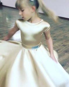 301 отметок «Нравится», 15 комментариев — Ателье Камелия (@kamelia_dress) в Instagram: «Не могу не сделать репост! Спасибо за отзыв 🙌🏻🙏🏻 Фотографии просто замечательные!!! 👍 Repost from…» Dance Dresses, Girls Dresses, Flower Girl Dresses, Ballroom Dress, Gymnastics Leotards, Disney Princess, Wedding Dresses, Beautiful, Fashion