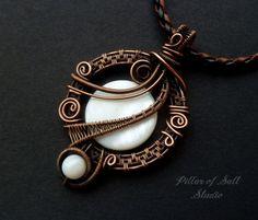 Wire Wrapped jewelry handmade copper jewelry por PillarOfSaltStudio