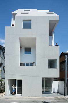 Tomoyuki Kurokawa Architects: Kitasenzoku Apartment-ArchiDesignClub by MUUUZ-Architecture & Design - Architecture Design, Minimalist Architecture, Japanese Architecture, Residential Architecture, Contemporary Architecture, Concrete Architecture, Landscape Architecture, Modern Apartment Design, Modern Design