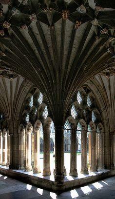 Canterbury Cathedral....been here.  It is an amazing and humbling experience...the stunning architecture is really something to see. Architecture Antique, Architecture Details, Church Architecture, Interior Architecture, Beautiful Architecture, Beautiful Buildings, Interior Design, Século Xii, Canterbury England