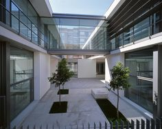 Centro Socio-Cultural Avenida de Novelda / Julio Sagasta + Fuster Arquitectos