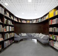 livraria-da-vila-em-sao-paulo-sp-categoria-showroom-de-isay-weinfeld.jpeg (800×776)