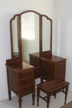Beautiful Vanity / Dresser With Long Trifold Mirror Antique Victorian With Bench  Stunning