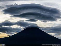 Un capuchón sobre el monte Fuji, foto de Takashi