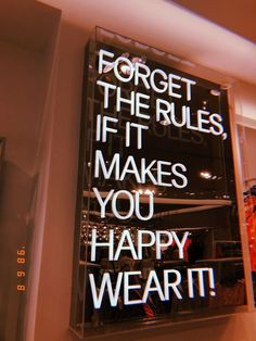Motivacional Quotes, Neon Quotes, Selfie Quotes, Words Quotes, Wise Words, Sayings, Citations Selfie, Vintage Quotes, Happy Words