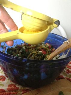 Squeeze the lemon juice from two lemons into the bowl. Cactus Salad, The Fresh, Juice, Easy Meals, Lemon, Stuffed Peppers, Prickly Pear Cactus, Juice Fast, Quick Easy Meals