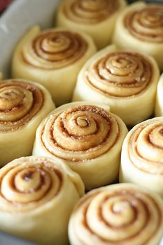 Cinnabon Copycat Recipe. Made these today. If you're looking for that ooeygooey decadent cinnamon roll, I think this is it. I might like them better than the Pioneer Woman's. Dough was easier to make for sure. Recipe calls for margarine, I used real butter.