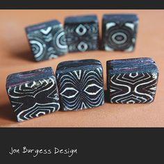 Sechs Quadratmeter, hohl, afrikanischen Stil Muster, Polymer Clay Perlen. Hergestellt aus fimo in Schichten, mit einem anderen eindeutigen