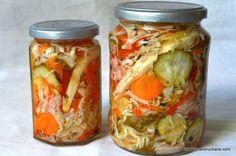cum se face ciolomada csalamade ungureasca Vegan Kimchi Recipe, Vegetarian Recipes, Baker Recipes, Cooking Recipes, Cheap Lazy Vegan, Korean Side Dishes, Canning Pickles, Romanian Food, Salads