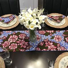 This beautifully vibrant table runners will make any space feel alive! All the colors and designs are sure to bring a little bit of Africa to any space. Made with cotton AnkaraFully lined with blue fabric for a sturdy and durable piece. English Decor, African Home Decor, Printed Table Runner, Event Decor, African Print Pillows, House Warming Gifts, Table Runners, Home Decor, Table Cloth